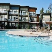 Shuswap Lake Resort - Lake Front