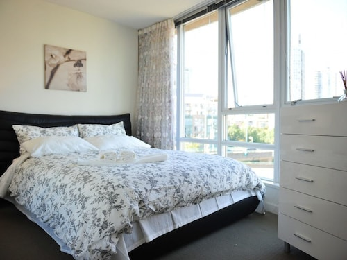 Check Expedia for Availability of Brand New 1bdr 1BA in Yaletown