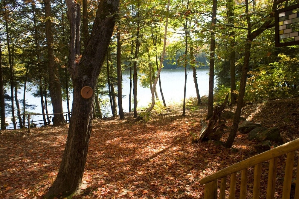 Property Grounds, Beautiful Log Home on Quiet Private Lake