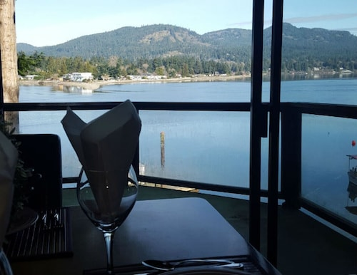 The Tideview Suite - Sooke, British Columbia