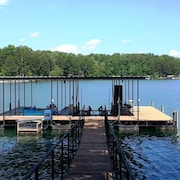 Lake House Near Clemson, Priv. Dock, Wifi, 60