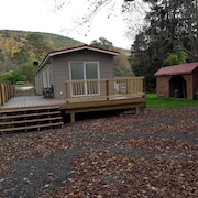 PA Grand Canyon Cozy Mountain Retreat on 35 Private Acres