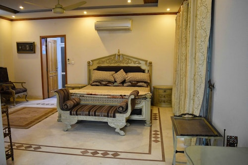 Lahore Home Stay