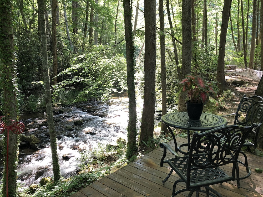 Terrace/Patio, Hidden Gem, 30 ft From Creek, Hot Tub, Outdoor Fire Pit, Fireplace, Pet Friendly