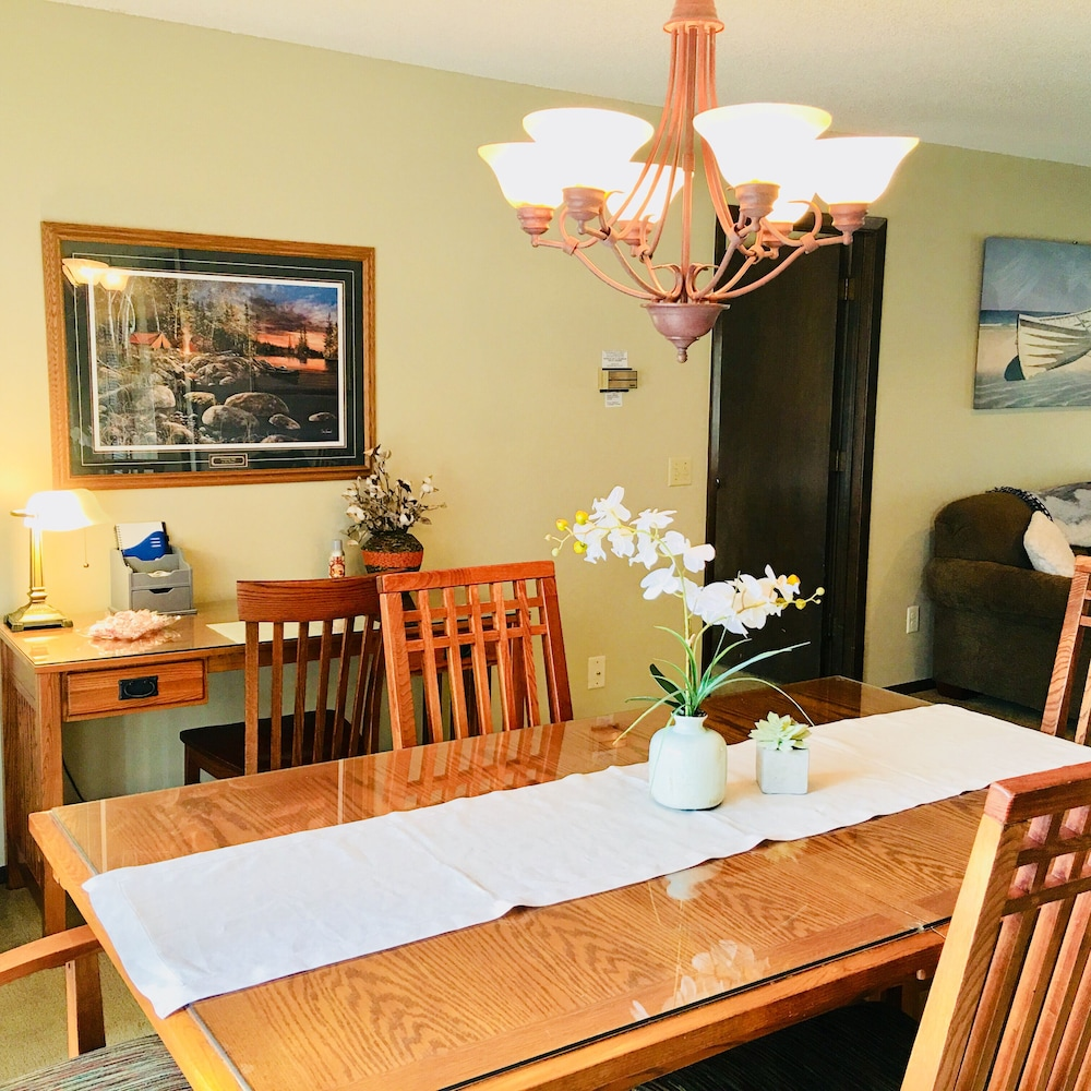 In-Room Dining, One of Nwarkansas Travel Guides Top 10 Best Vacation Rentals in Bella Vista, AR