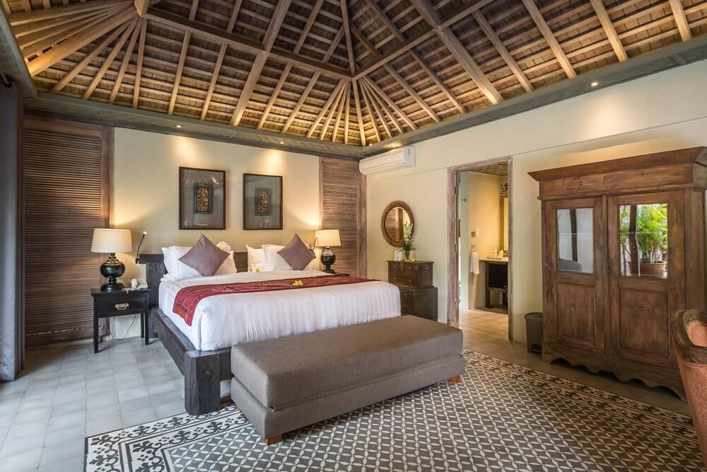 4 Bedroom Ethnic Style Villa Near Berawa Beach, Canggu; (Canggu ...