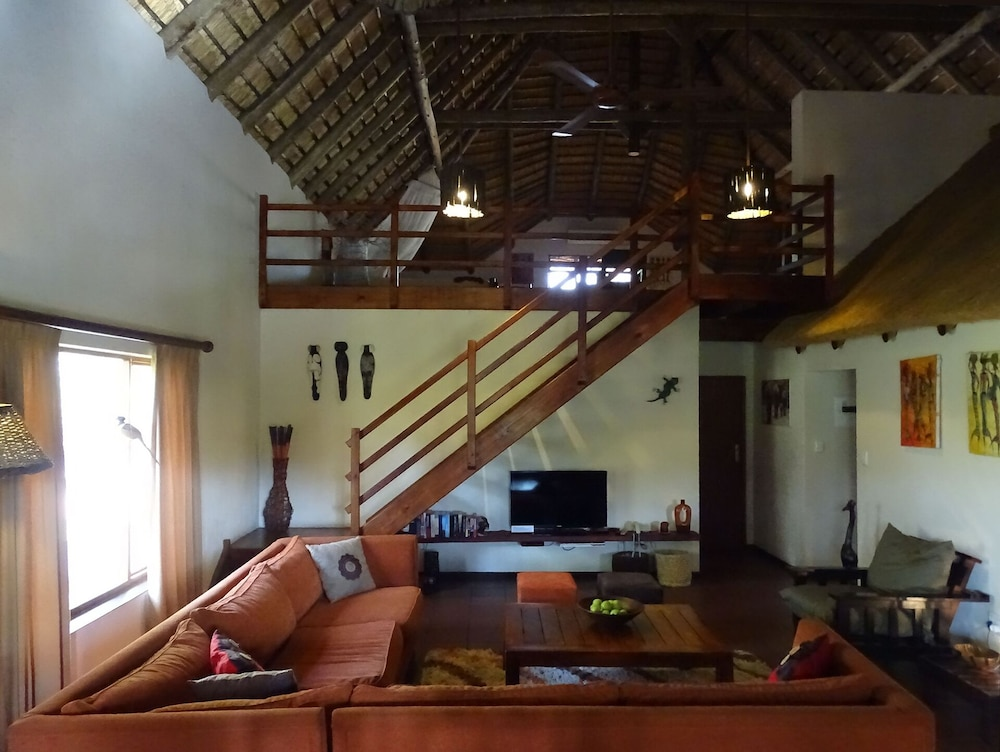 Living Room, Spacious and luxurious safari house near Kruger Park (ZA)