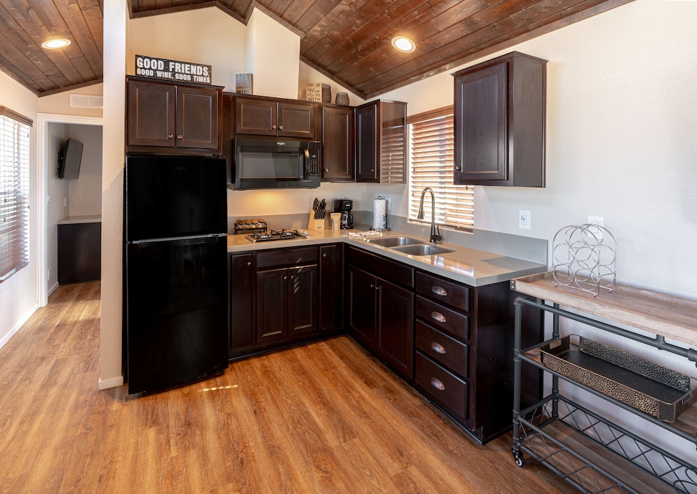 Private Kitchen, Cava Robles RV Resort