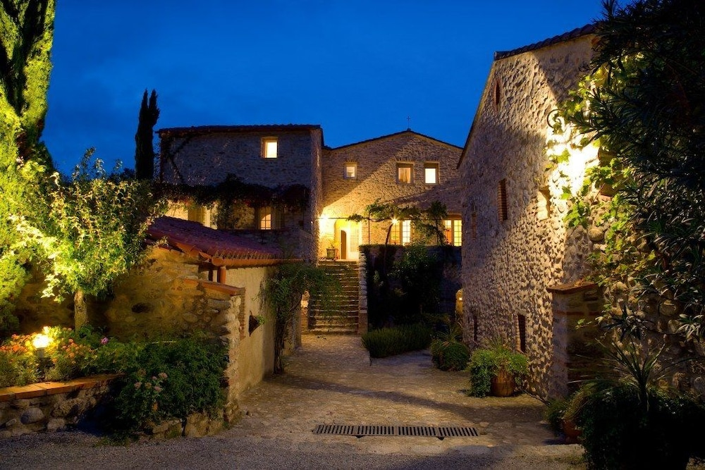 Front of Property - Evening/Night, Hôtel Le Mas Trilles