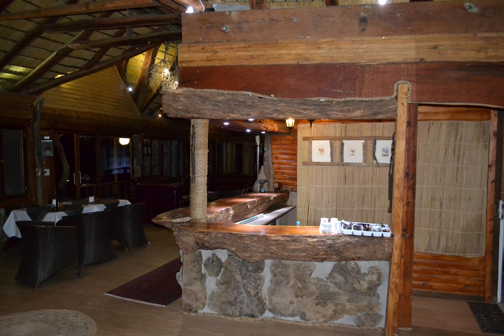 Bar, Namib's Valley Lodge