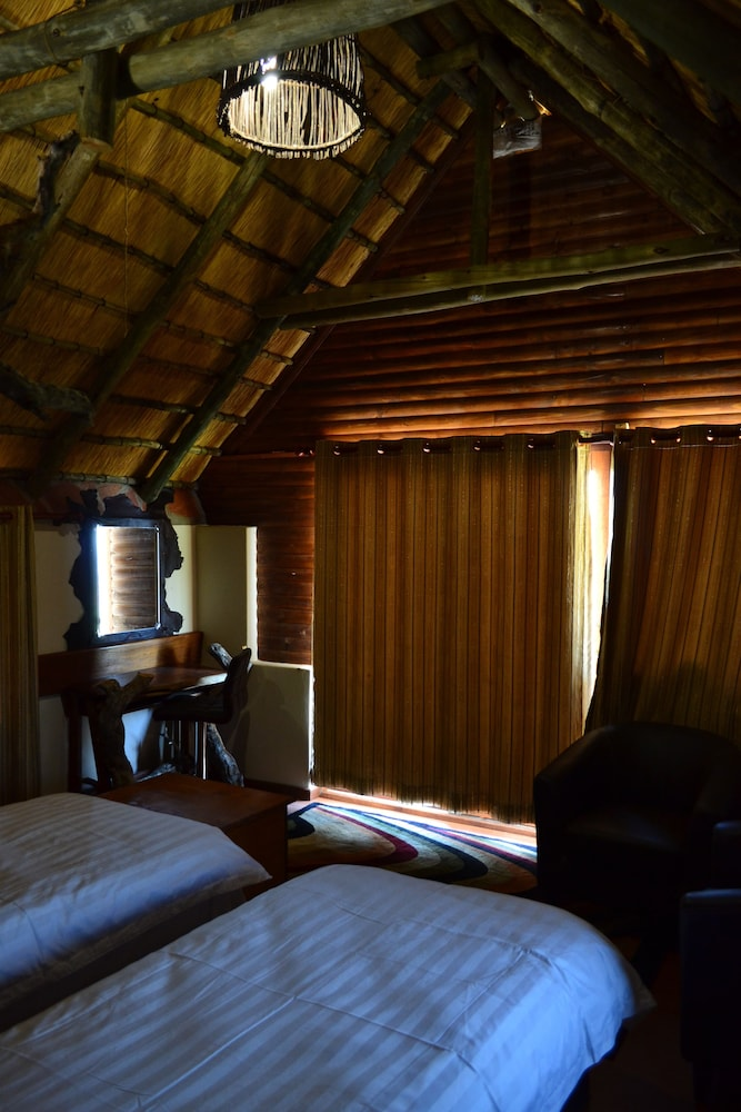 Room, Namib's Valley Lodge
