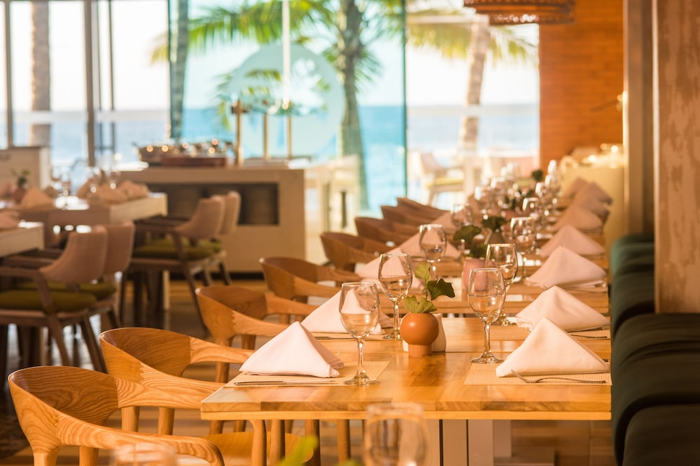 Dining, Presidential Suites Lifestyle Cabarete - All Inclusive