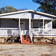 C Cottage 3 Bedrooms 2 Bathrooms Home