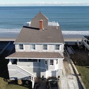 Beachfront Vacation House Perfect for big Familys!