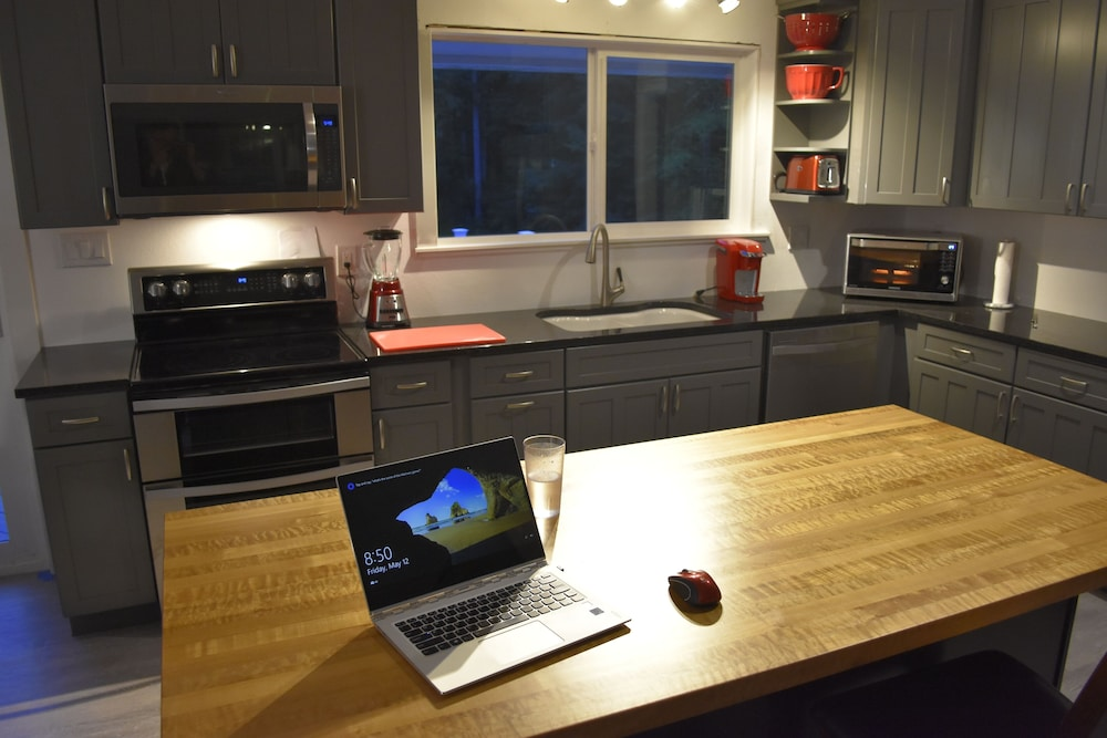Private Kitchen, Closest to Olympic National Park