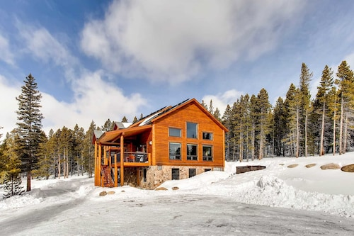 Check Expedia for Availability of Chessetts Lodge 4 Bedrooms 3 Bathrooms Cabin
