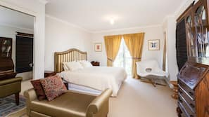 2 bedrooms, iron/ironing board, cots/infant beds, free WiFi