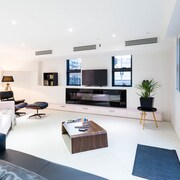 MADDISON, 3BDR Port Melbourne Apartment