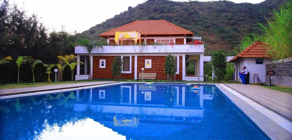 SR Jungle Resort, Coimbatore - Room Prices & Reviews | Travelocity