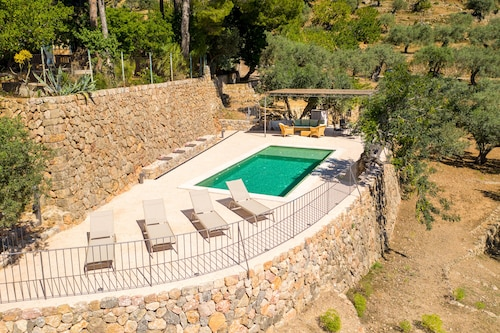 Bi-level Exclusive Villa Overlooking Soller Valley