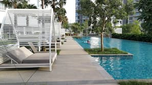 Outdoor pool, free pool cabanas