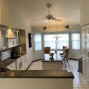 Gulf Coast Waterfront Paradise-sleeps 6
