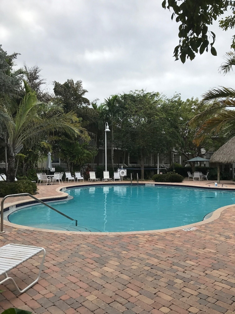 Pool, Casa Capri Beautiful Tropical Style House With 3 King Suites Pool 2 mi to Beach