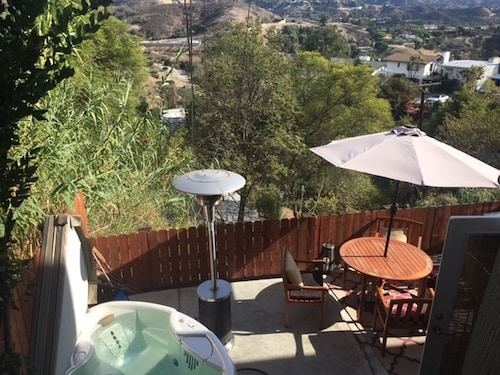 Great Place to stay Hollywood Hills Private Retreat near Los Angeles