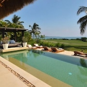 Spectacular 5* Luxury Oceanfront Villa,7* Staff, 6 Bed 7b at 4 Seasons