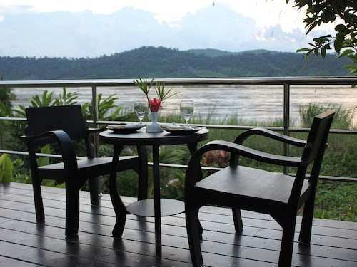 Mekong Riverside Resort & Camping