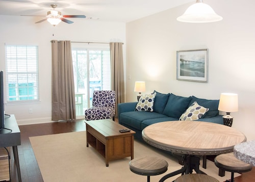 Newly Constructed Townhome, Perfect for Parris Island Graduation, Wifi and Smart TV Included