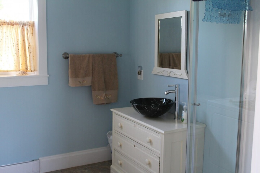 Bathroom, Completely renovated year-round  rental