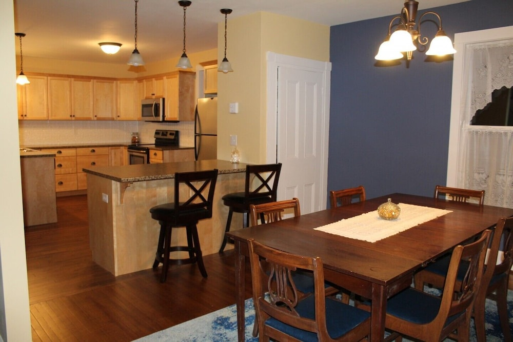 Private Kitchen, Completely renovated year-round  rental