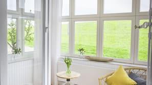 1 Schlafzimmer, Zimmersafe, individuell dekoriert