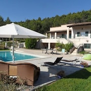 Villa With Pool 8 kms From Aix en Provence