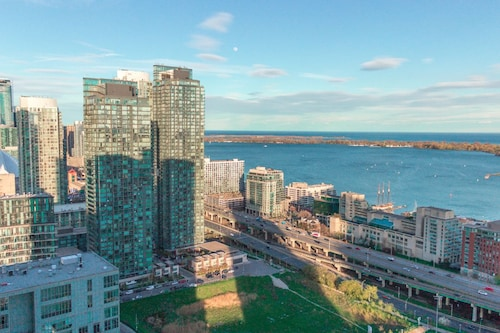 Downtown Toronto Luxury Condo (CAN 22713660 3.8) photo