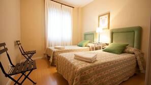 3 Schlafzimmer, Babybetten, Internetzugang