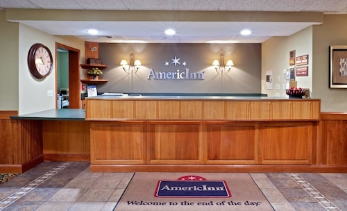 AmericInn by Wyndham Madison SD