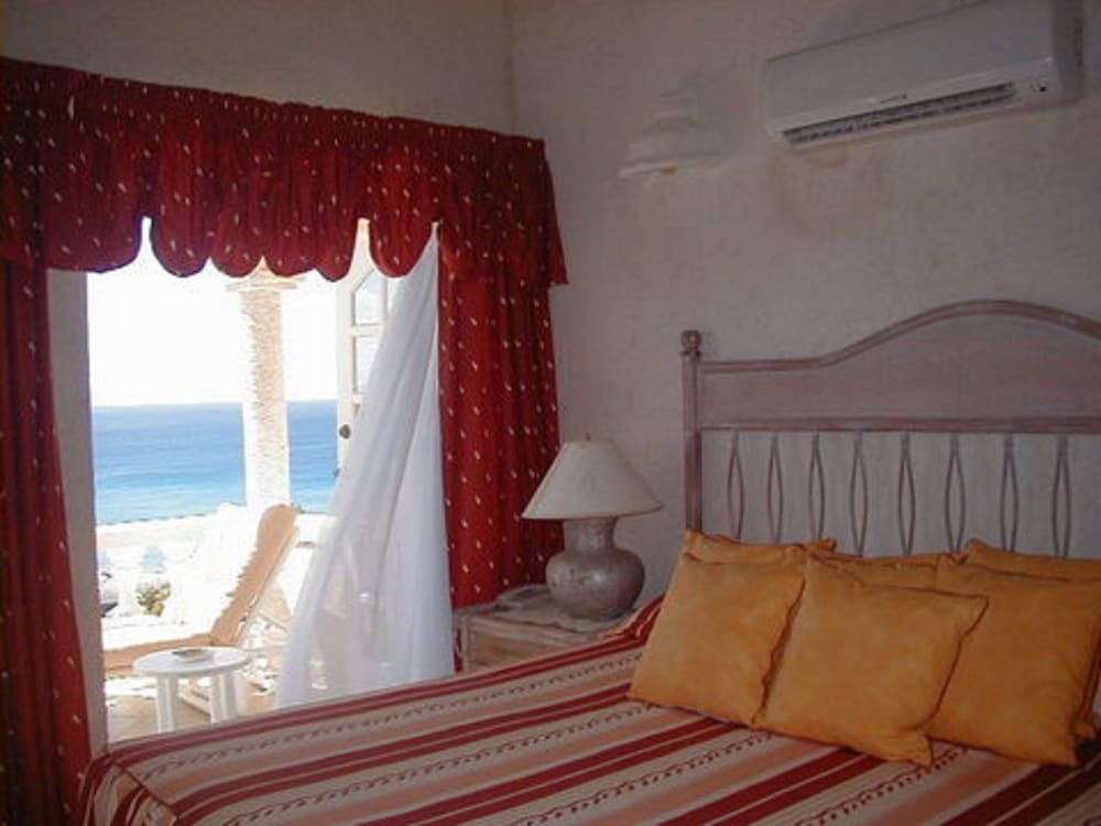 Room, Barbados villa near beach -- the view,2 pools, WiFi, daily staff