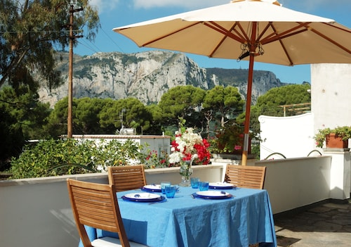 Capri - Elegant House Just a few Minutes From the Piazzetta