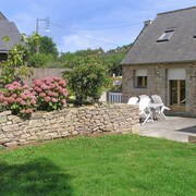 Lovely Stone House in the Cotes-d'armor, Brittany, With 1 Bedroom, Terrace and Garden