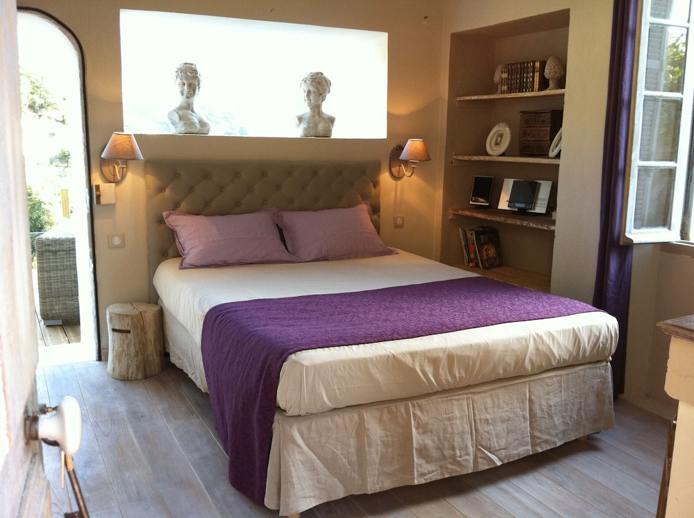 Corsican House 40 m2, 2 Bed, Jacuzzi, Steam Room, Terrace on Stilts ...
