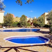 Beautiful Villa in Almeria With 3 Bedrooms, Garden and Shared Pool