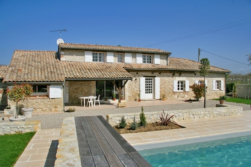 Villa With 4 Bedrooms in Saint Sylvestre sur Lot, With Private Pool and Enclosed Garden - 200 km From the Beach