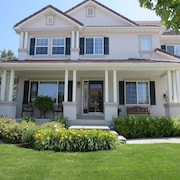 A Beautiful Spacious 5,000 sq Feet Home Located Between Denver & Boulder