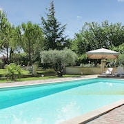 Beautiful Home in Althen-les-paluds, Vaucluse, With 4 Bedrooms, Lush Garden and Pool