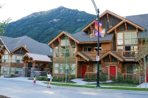 Mountain Luxury 3 Bedroom Townhome