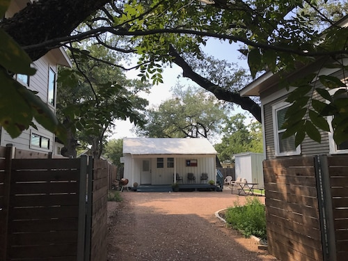 Walking Distance to Zilker Park, Acl, and so Much More!