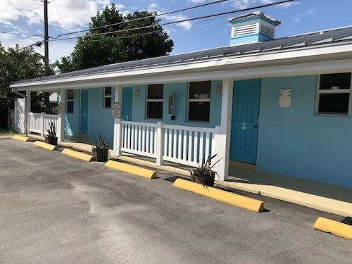 Great Place to stay Super Clean Studio Close To Downtown And Beaches near Jensen Beach