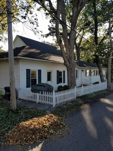 Great Place to stay Lakeside: Chatauqua on Lake Erie-well Maintained near Lakeside Marblehead